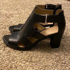 Naturalizer size 8.5 heel